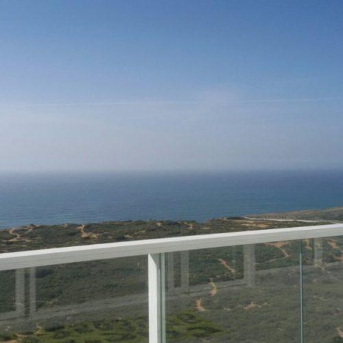 להשכרה מיני פנטהאוז קו ראשון לים נוף מדהים!